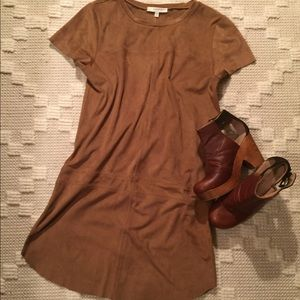LAVENDER BROWN SHORT SLEEVE SUEDE DRESS